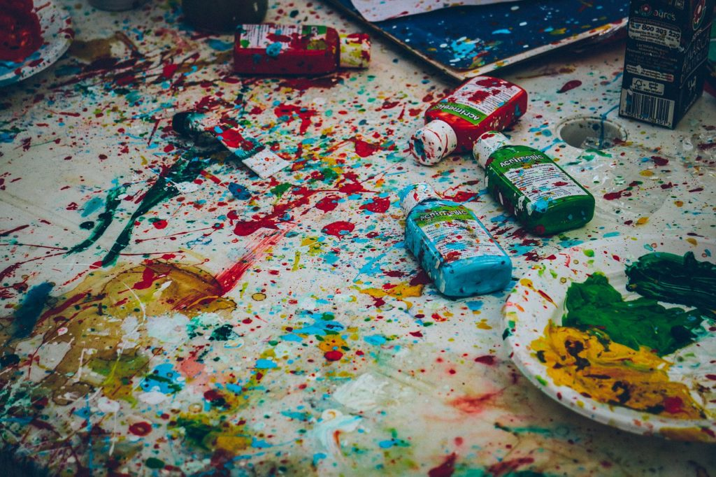 When you don't have a profitable freelance writing niche, you are a professional mess.